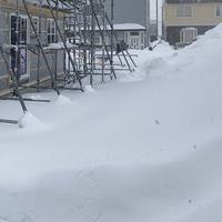 建築中 今年は雪が多くて