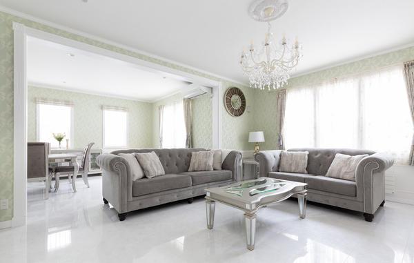 アシュレイの家具がよく似合う洗練された空間